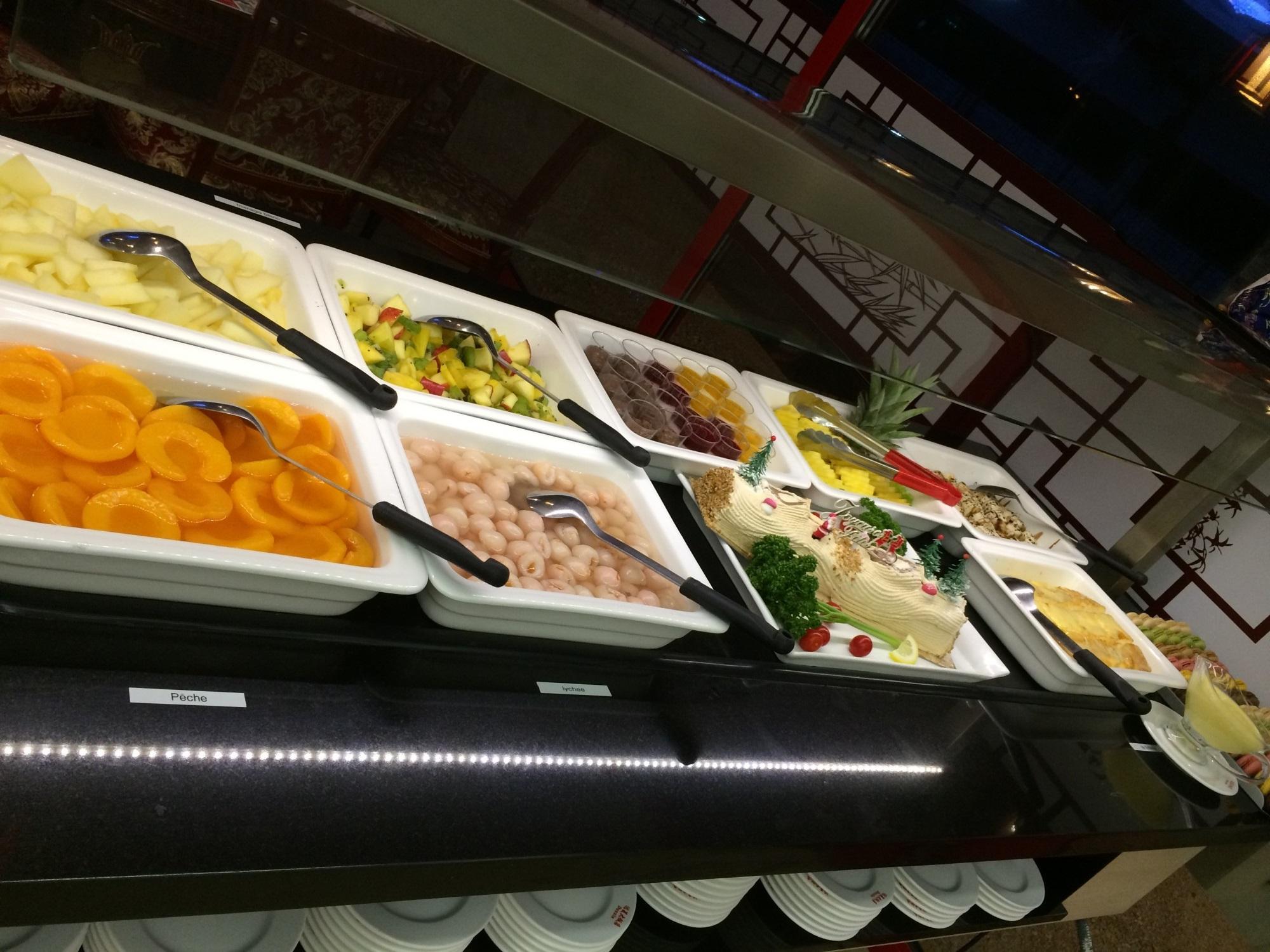 Le Système De Vente Nommé Buffet A Volonté: Restaurant Asiatique : Buffet à Volonté Avec Terrasse à La